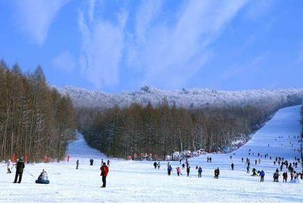 伊春日月峡滑雪场